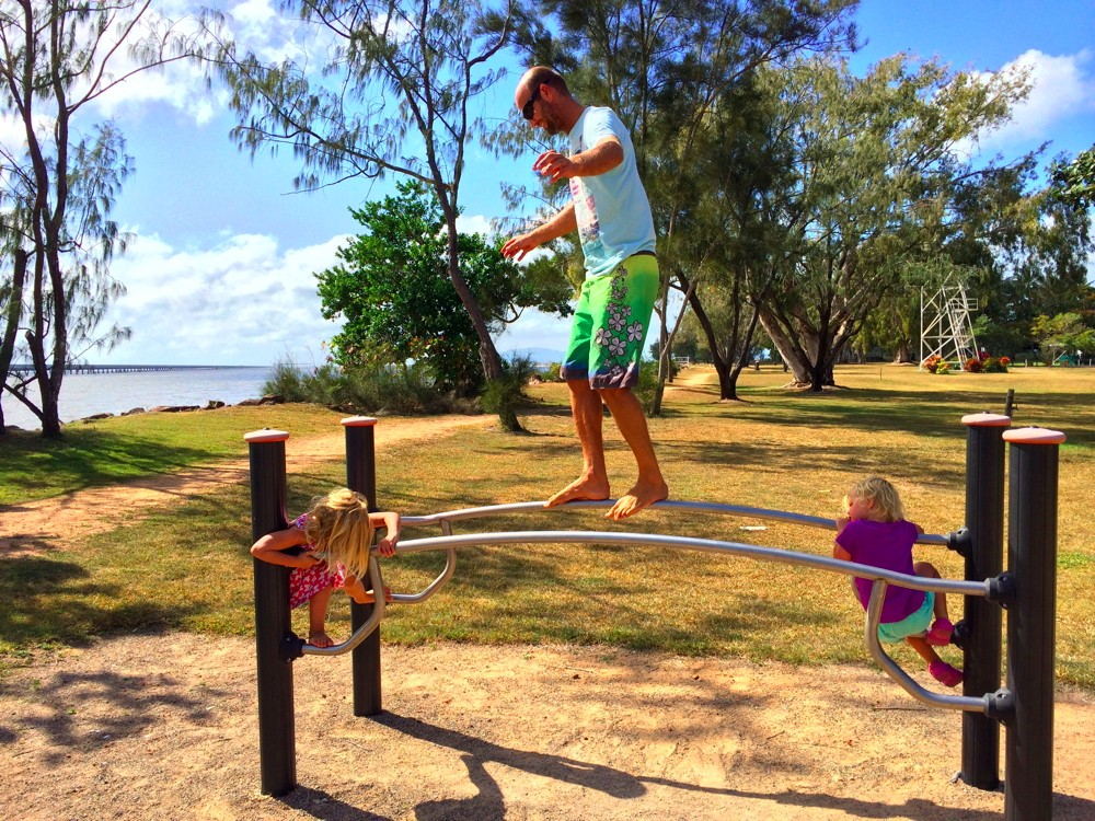 Lucinda, QLD - who is the child?